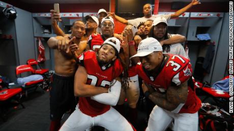Should the NFL Open Lockers policy change?