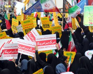 """""""Do not threaten us,"""" Iranians say the US as sanctions to return News"""