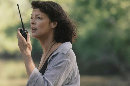 Anne (Pollyanna McIntosh), or is Jadis again, becomes interwoven with Rick Grimes' epic as she tries to escape the survivors in