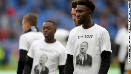 Onyinye Wilfred Ndidi of Leicester City looks up as he heats up while wearing a commemorative t-shirt before the fight.