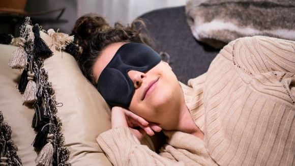 Best Gifts Under $ 50: Nidra Deep Sleep Eye Mask