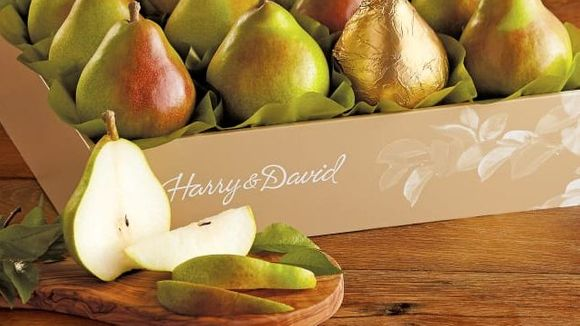 Best Gifts Under $ 50: Harry & David Royal Riviera Pears