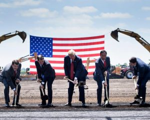 Foxconn refuses to hire Chinese engineers for the Wisconsin plant