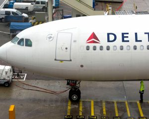 Delta apologizes for the fact that the man sits in flight on feces