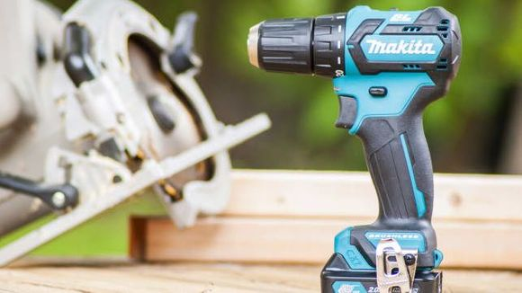 Best Gifts for Dad 2018 - Kit FD07R1 Makita FD07R1
