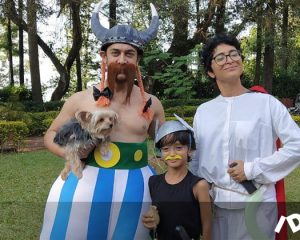 Aamir Khan Kiran Rao And The Son Of The Game Dress Up In Asterix Costumes Entertainment
