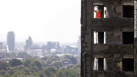 Grenfell fire: London police conducting firefighting & advice