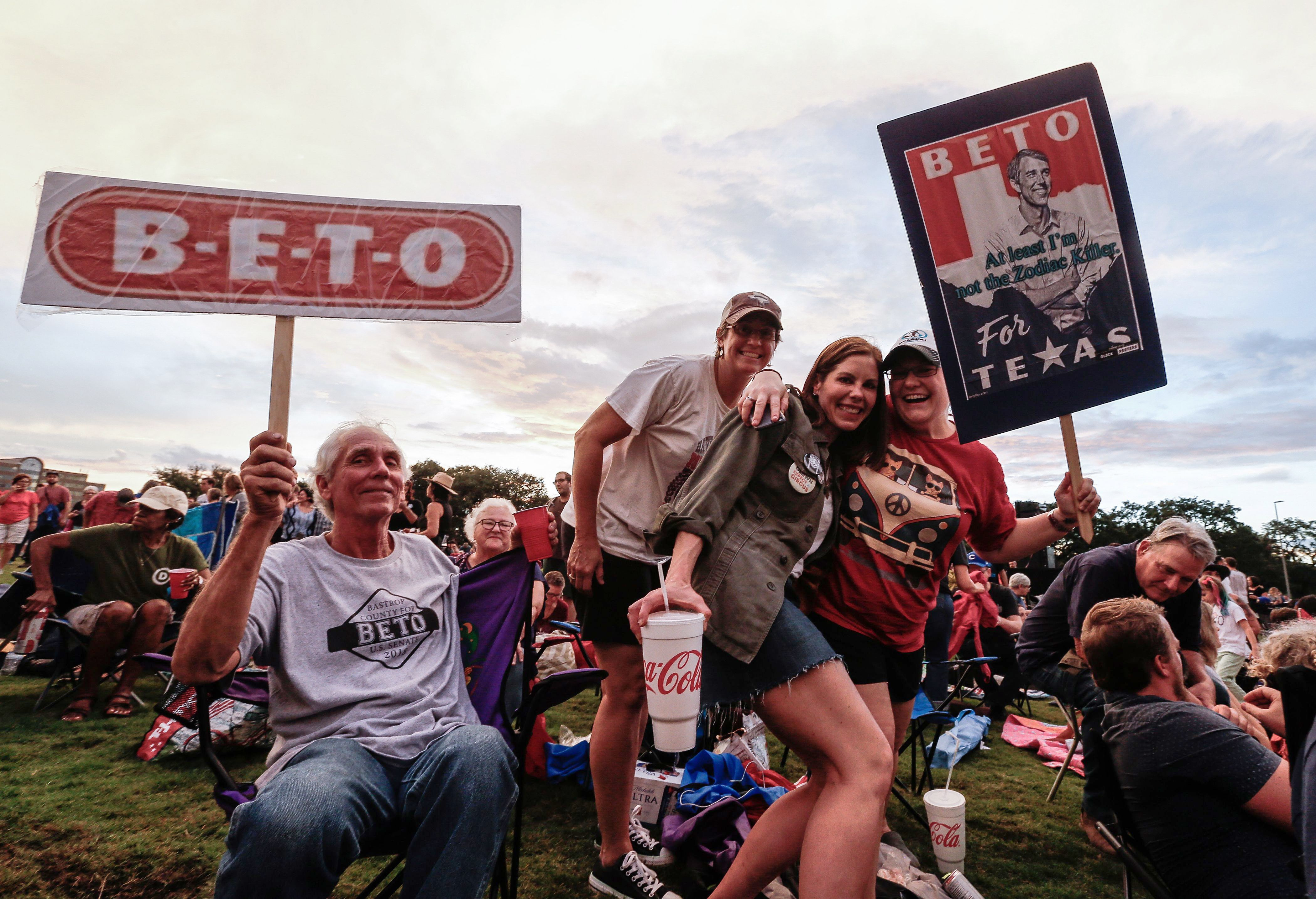 Supporters await US Senate candidate Beto O'Rourke in a Texas Rally tour with Willie Nelson's country music legend in Austin, Texas on September 29, 2018. Beto O & 39; Rouke runs against Senator Ted Cruz for the Senate. Texas Rally with Willie Nelson, Austin, USA - September 29, 2018