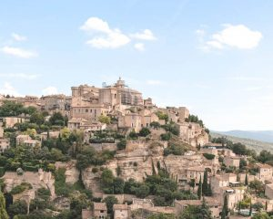 Tips for visiting the village and the Gordes market • The blonde abroad