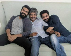 SS Rajamouli's #RRR have thousands of fighters?