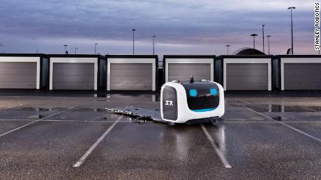 Stanley Robotics & # 39; the robot valet can get a car and move it to a parking spot.