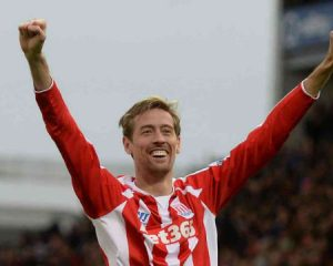 English Croatian striker Peter Crouch announces retirement from football