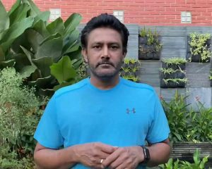 """Anil Kumble willing to """"curl out"""" coronavirus as he contributes to the PM CARES fund"""